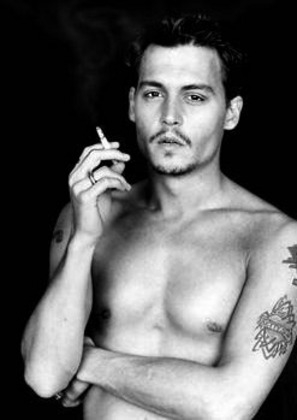 normal_johnny_depp_smoking